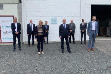 Wirtschaftsminister Hubert Aiwanger besichtigt BHKW und Power-to-Gas Anlage der Stadtwerke Haßfurt